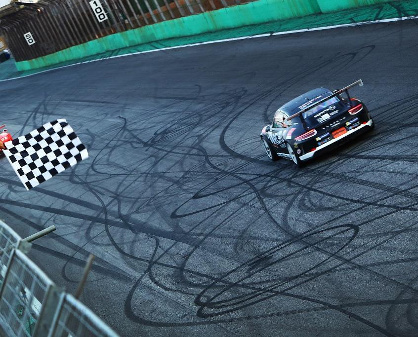 Vitória do carro #8
