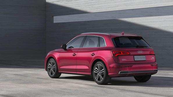 Primeiro SUV com entre-eixos alongado: Audi Q5L estreia no Salão de Pequim