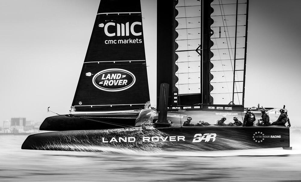 Land Rover Bar leva experiências da marca para os mares da America's Cup