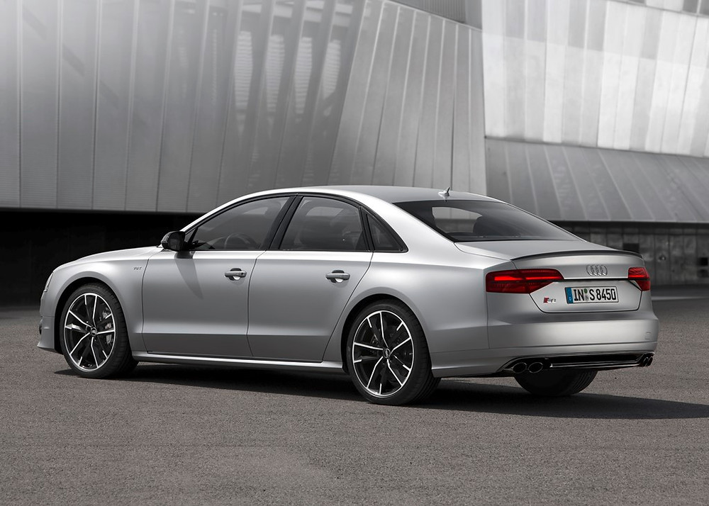 Antes de sua chegada, em Dezembro, luxuoso Audi S8 Plus pode ser visto no Salão do Automóvel