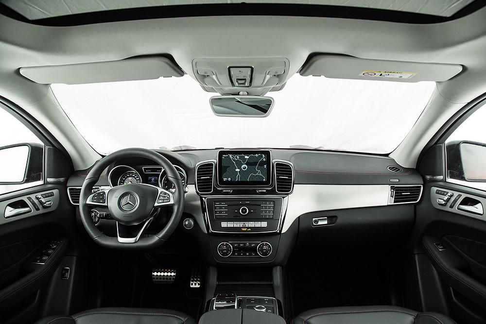 Coupé e SUV, chega o Mercedes-Benz GLE 400.