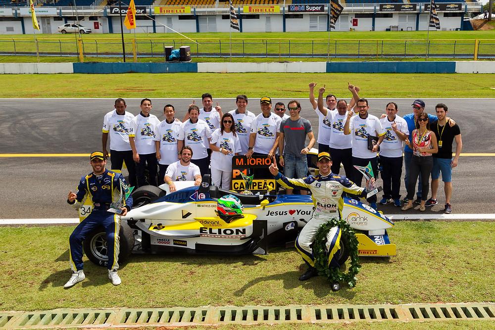 Já campeão da F3, Matheus Iorio disputa corridas em Interlagos de olho no futuro.
