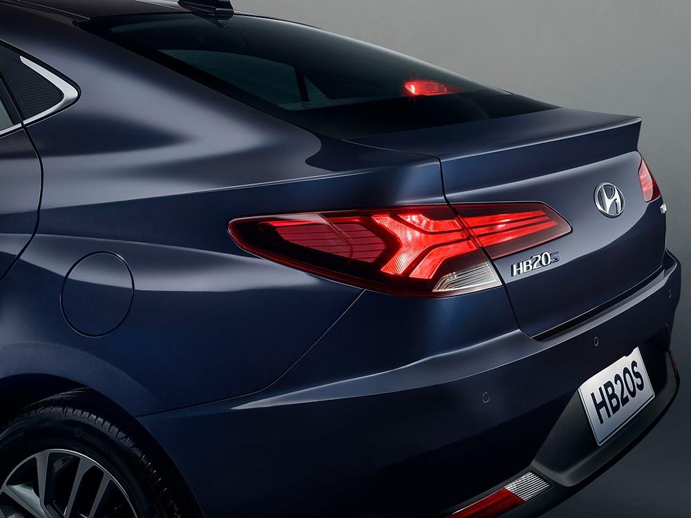 Hyundai mostra primeira imagem oficial da versão sedã da nova geração do HB20