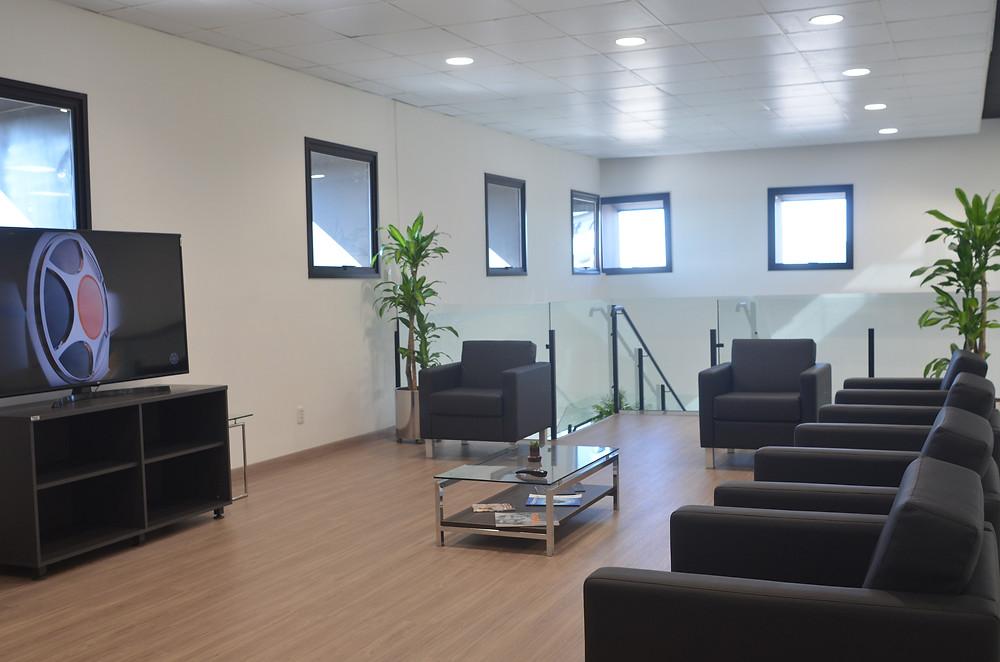 Marcopolo inaugura espaço para receber clientes e entrega de ônibus
