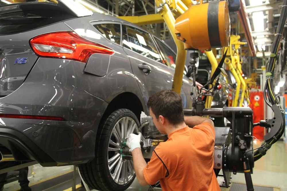 Dos ralis para a estrada. Novo Focus RS com 350 CV de esportividade.