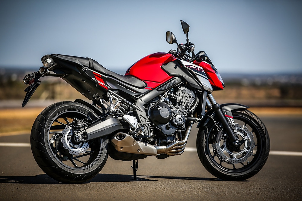 Honda CB 650F e CBR 650F: versões 2018 renovadas na técnica e estética