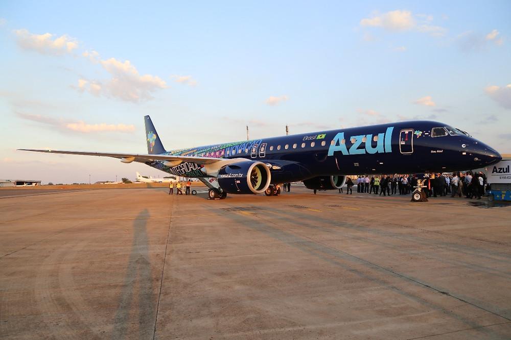 Azul volta a operar em Londrina com o novo Embraer E195 E2