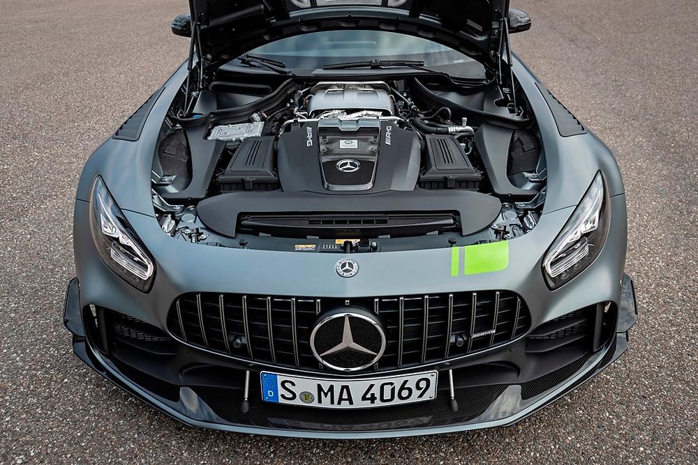Mercedes-AMG GT R PRO faz 3,6 segundos de 0 a 100 km/h, e chega ao Brasil por R$ 1.699.900 com todas as unidades vendidas
