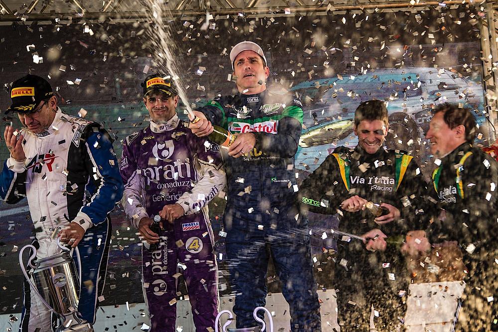 C.Kray/D.Muffato/J.Campos (AJR, P1), 151 voltas em 3:00:36.990