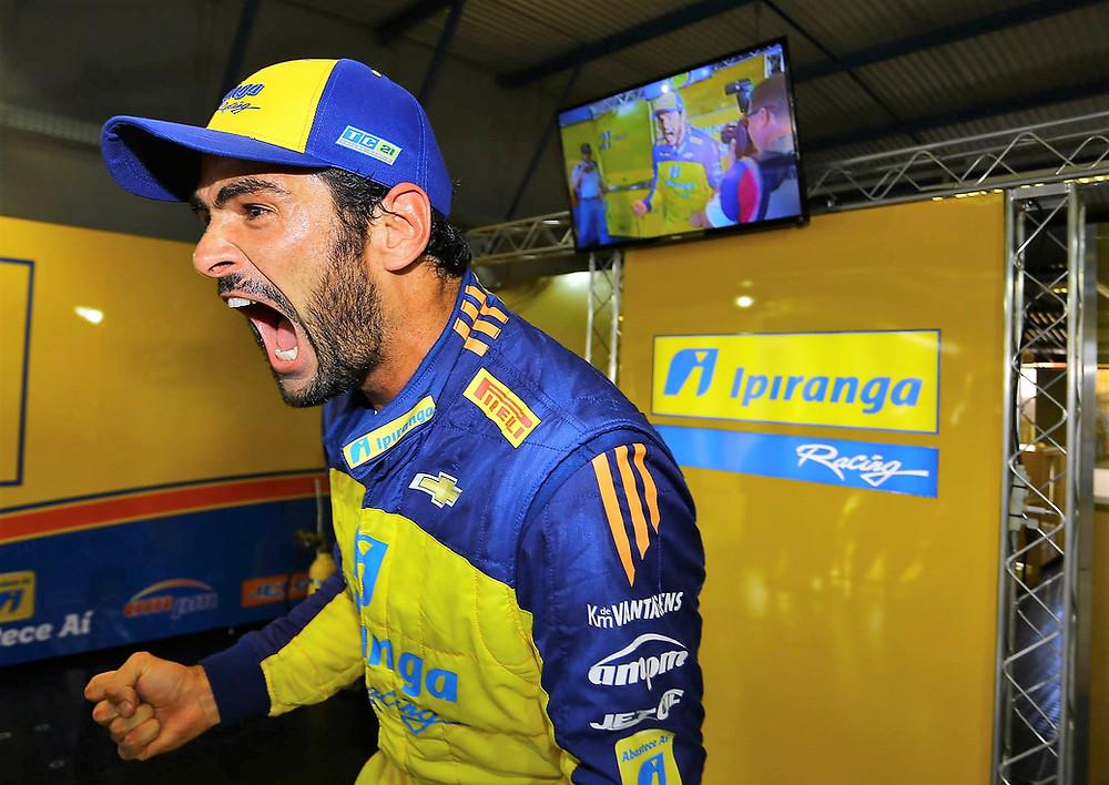 Thiago Camilo é pole e vai atrás de sua primeira vitória no Velopark