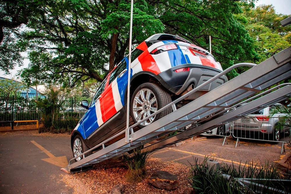 Land Rover promove experiência off road no Salão do Automóvel