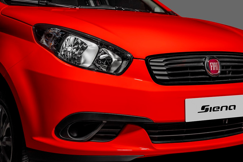 Para resistir ao tempo Fiat Grand Siena ganha novos itens