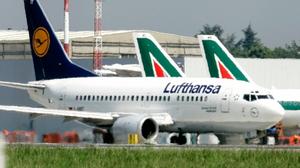 Lufthansa lidera corrida pela italiana Alitalia.