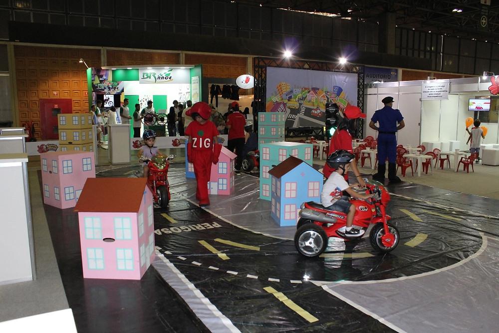 Salão Moto Brasil apresenta até sábado as novidades no setor de motos