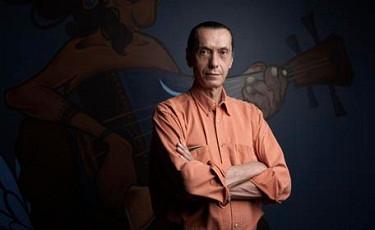 Produtor de ícones da música brasileira, Arthur Verocai faz show gratuito na Praça da Sé este domingo
