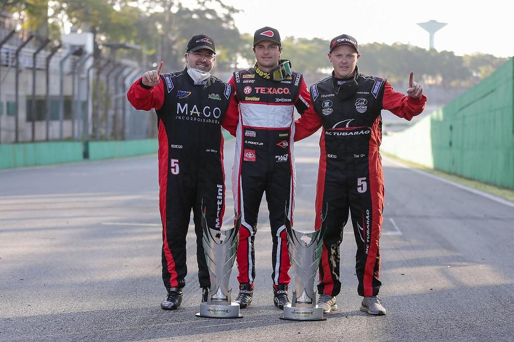 Trio com Nelsinho Piquet vence a etapa de abertura do Endurance Brasil em Interlagos