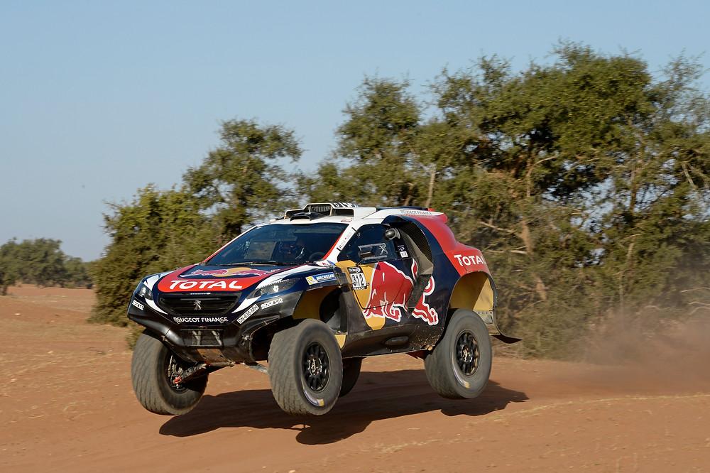 Equipe Peugeot considera positiva a estreia em competição do 2008 DKR16 e de Loeb