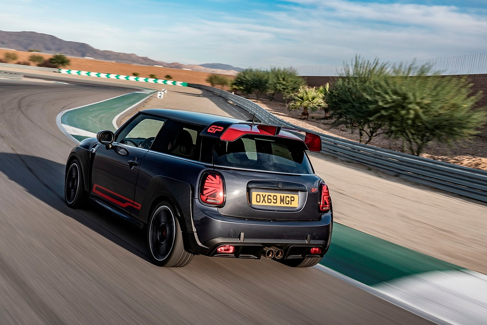 Do Salão de Los Angeles para o mercado europeu, novo Mini John Cooper Works GP chega com motor de 306 cavalos