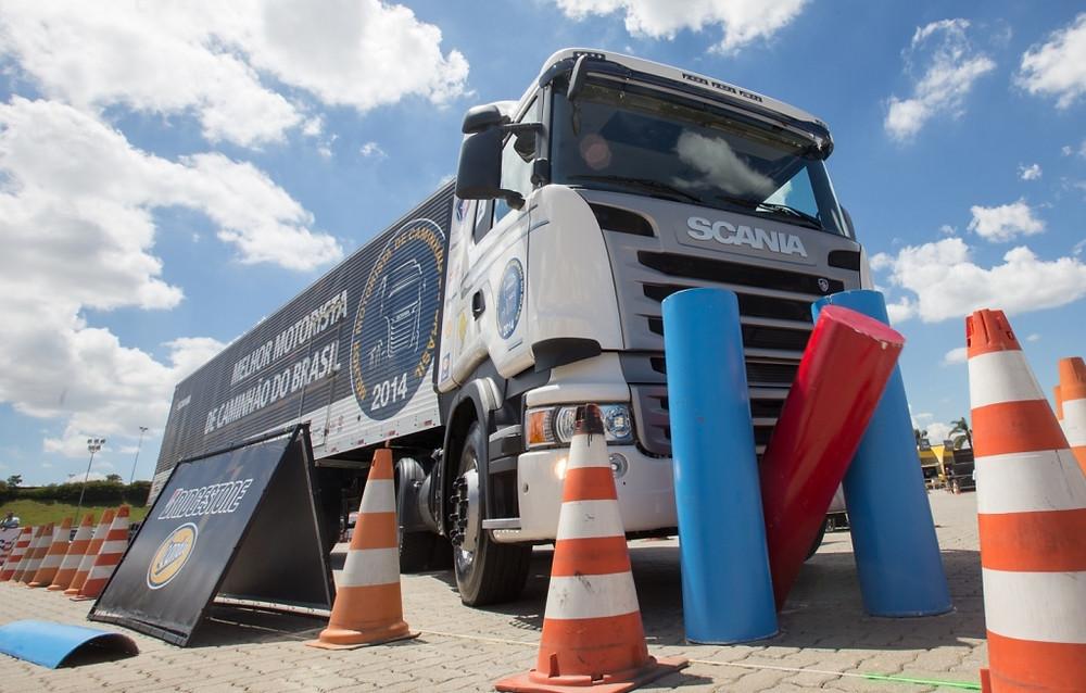 Prémio - Scania Streamline Highline R 440 6x2