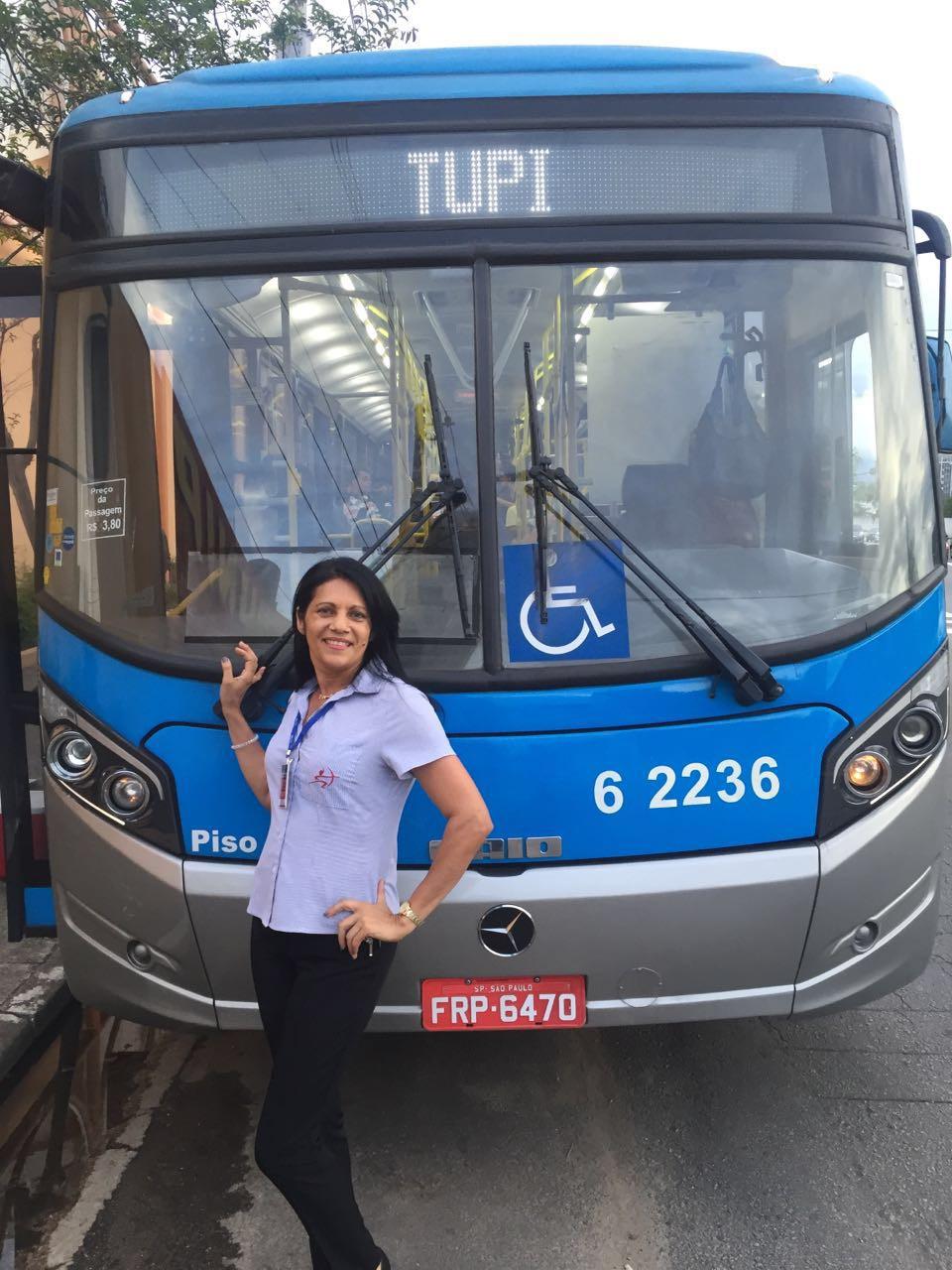 Mãe, mulher e motorista de ônibus
