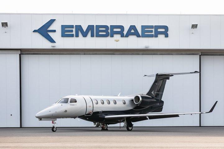 Aviação: Embraer entrega primeiro novo Phenom 300E para escritório nos EUA