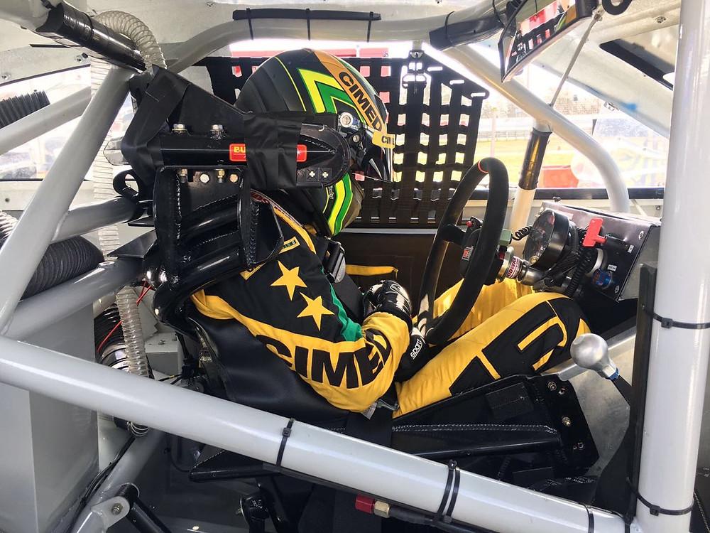 Marcos Gomes inicia carreira na Nascar com boa prova de recuperação em Bristol