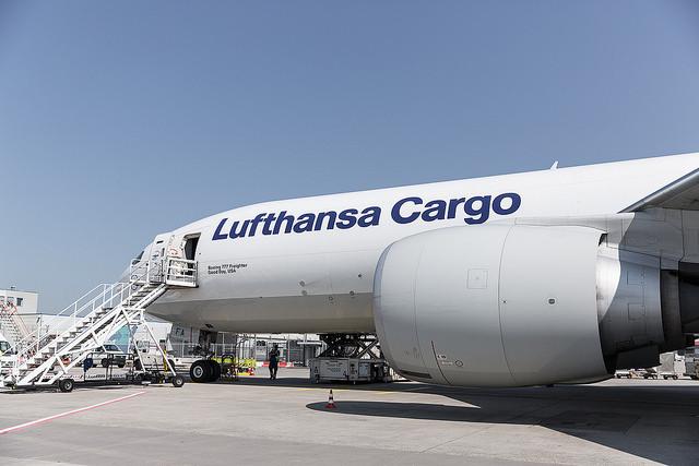 Aviação: Lufthansa perde 3,6 mil milhões de Euros no primeiro semestre