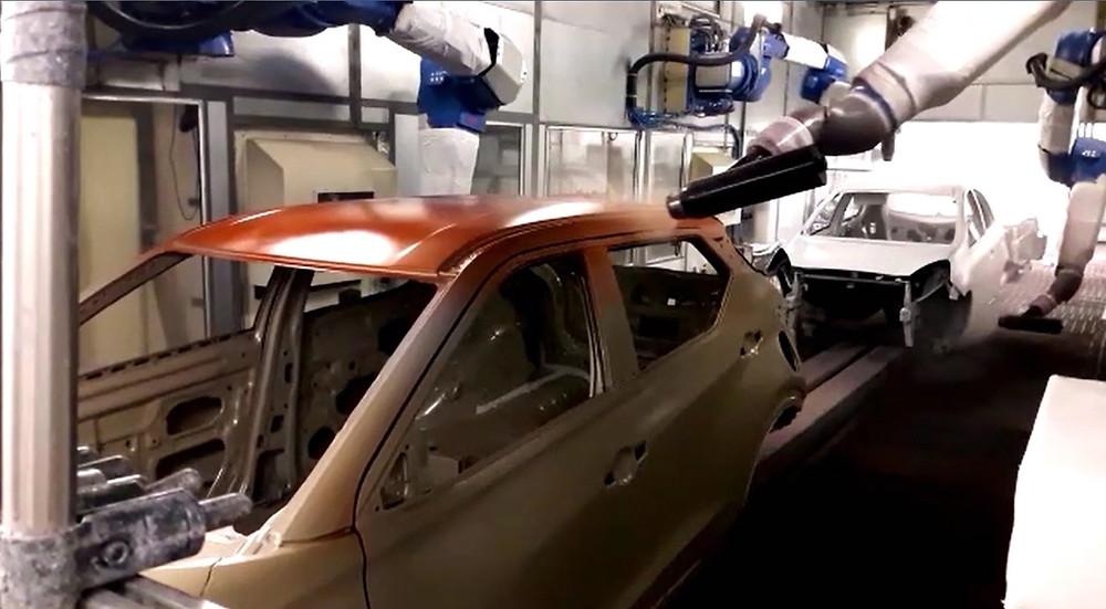Complexo Industrial de Resende pinta o primeiro Nissan Kicks 2-Tone