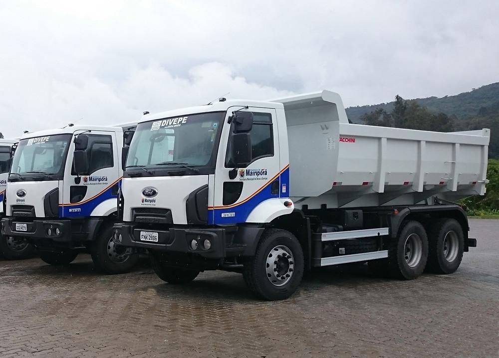 Ford fornece 10 caminhões basculantes para a Prefeitura de Mairiporã