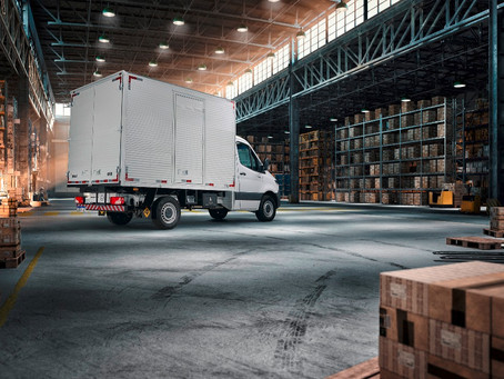 Vídeo: Conheça o Sprinter Truck no tutorial da Mercedes-Benz