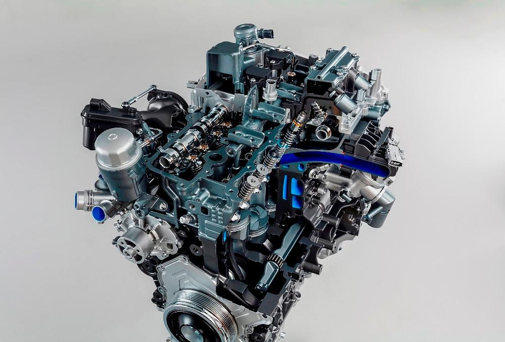 Novo F-Type com motor 2.0 turbo de quatro cilindros e 300 cv
