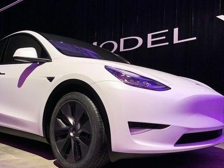 Expressas: Tesla inicia entregas do modelo Y fabricado na China