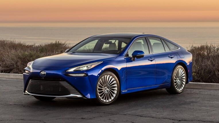 Expressas: Mirai, nova geração do carro a hidrogênio da Toyota chega com mais autonomia
