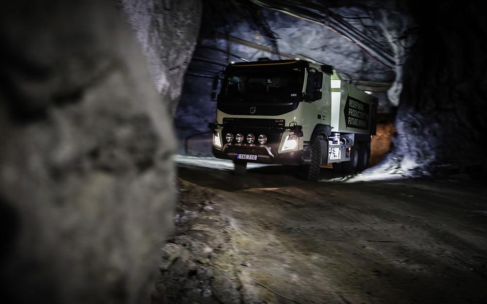 Volvo testa caminhão autônomo em uma mina subterrânea