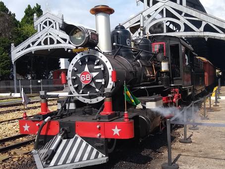 Ferrovia turística em Minas Gerais com viagem inesquecível ao passado