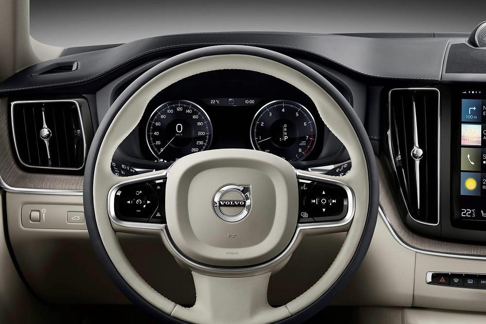 Expressas: Volvo patenteia volante que pode mudar de lugar