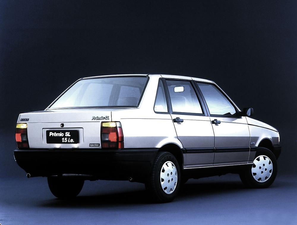 Com duas ou quatro portas o sedã Prêmio da Fiat chegou há 35 anos