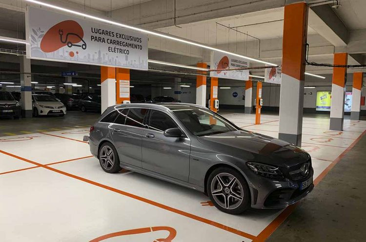Expressas: Nova bateria para veículos recarrega em 5 minutos