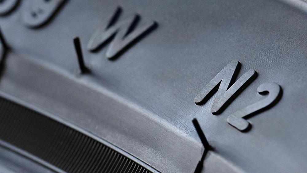 Porsche desenvolve e certifica novos pneus para modelos históricos.