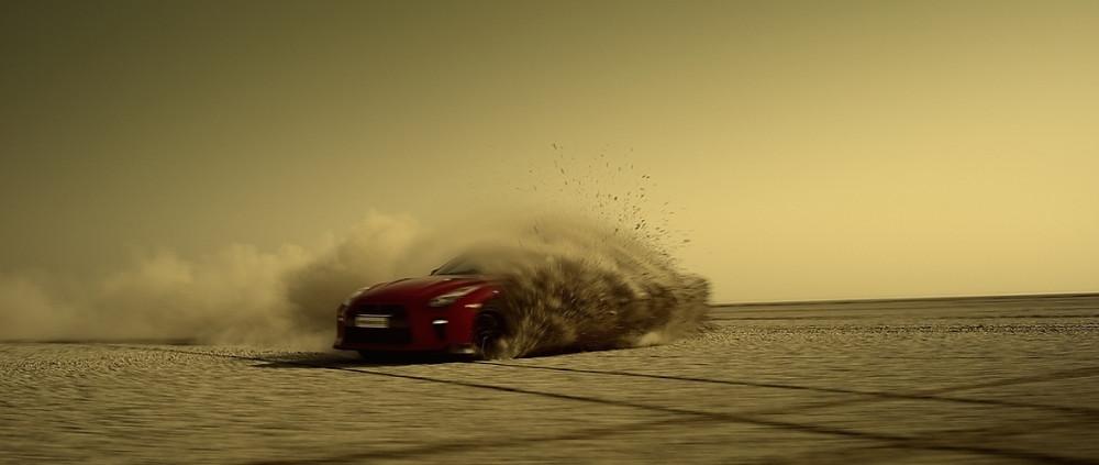 Nissan GT-R homenageia a Índia criando maior mapa do país