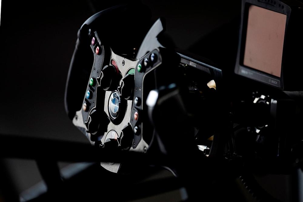 Engenharia, expertise e paixão: a trajetória de adaptação nos carros de Alessandro Zanardi