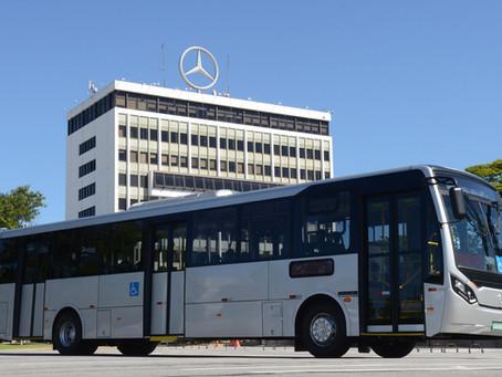 Mercedes-Benz lança ônibus urbano Super Padron para até 100 passageiros