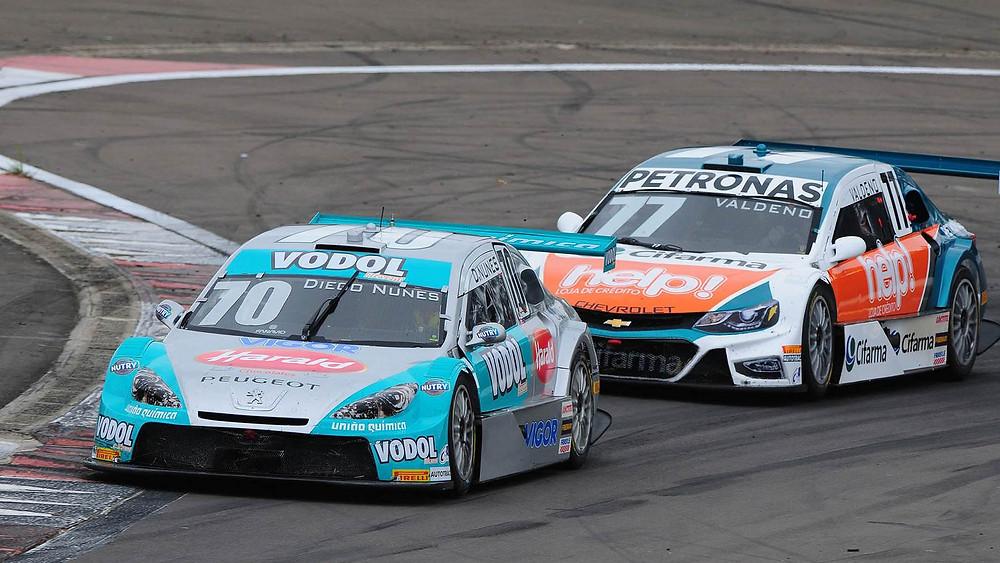 Cacá Bueno e Diego Nunes vencem corridas no Velopark