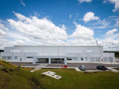 Com nova fábrica e investimento de R$ 350 milhões, Renault passa a produzir, no Brasil, bloco e cabe