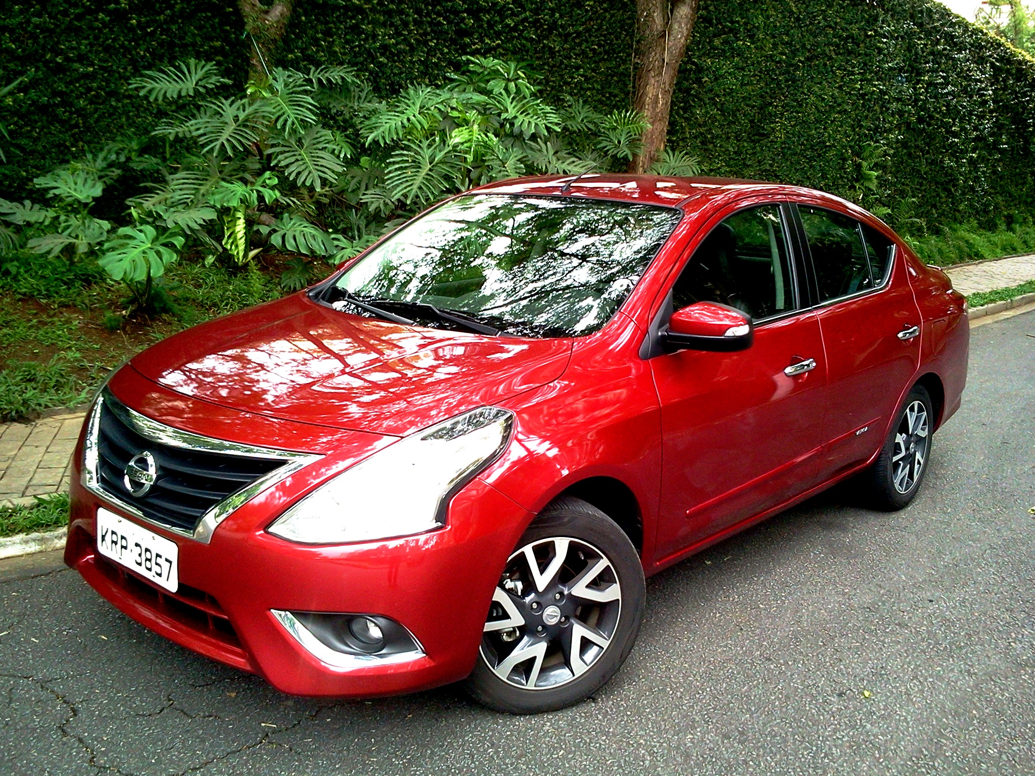 Nissan Versa 1.6 SL Unique