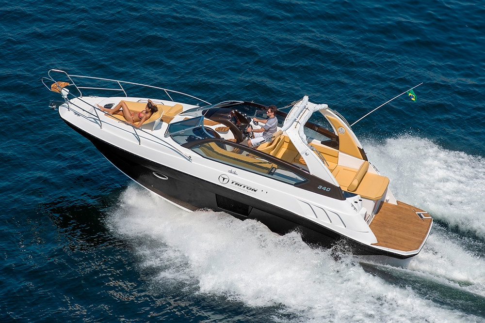 Embarcação de 34 pés da Triton Yachts chega ao mercado brasileiro por R$ 429.900,00