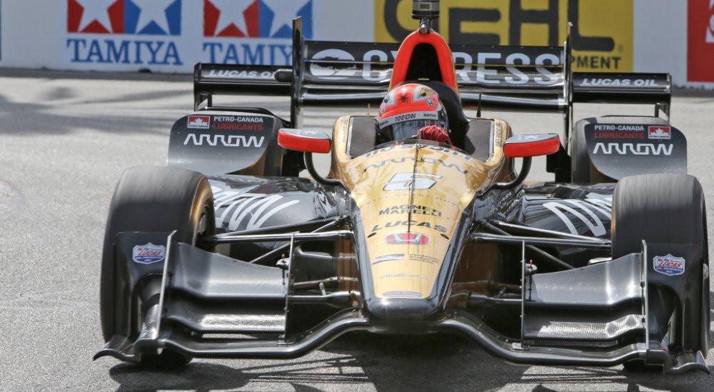 Após dois anos sem vitórias James Hichcliffe vence na IndyCar Series