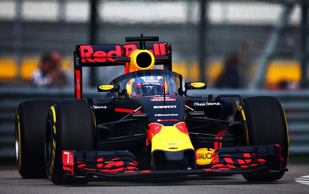 Red Bull faz teste com uma nova proteção para a cabeça de piloto