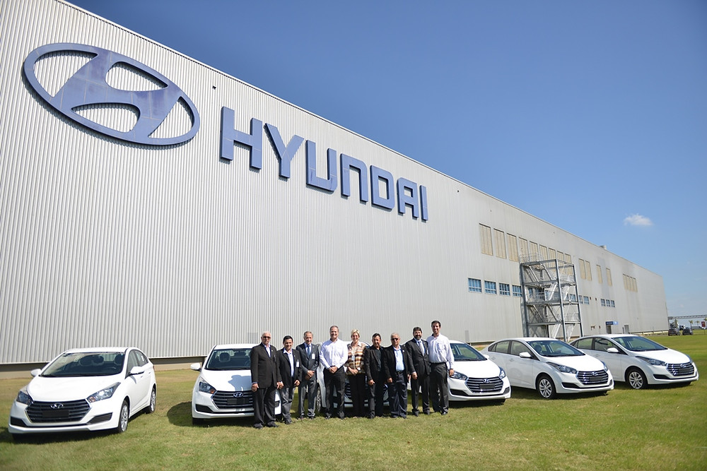 Hyundai doa seis veículos HB20S para a Campanha Apae Noel 2019
