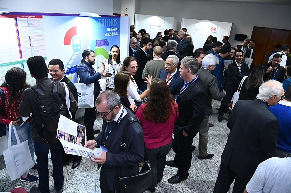 Sessões sobre VLT, inovação e manutenção de transportes sobre trilhos são destaque no segundo dia da Semana de Tecnologia Metroferroviária